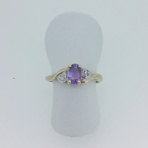 10k Yellow Gold Amethyst Ring with Diamond Accents