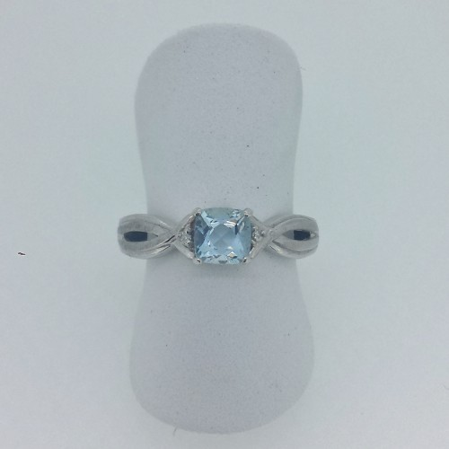 10k White Gold Aquamarine Ring with Diamond Accents